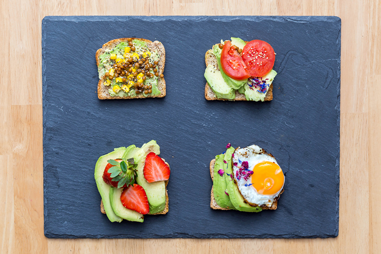 Pictures Fried egg Bread Avocado Strawberry Butterbrot Food