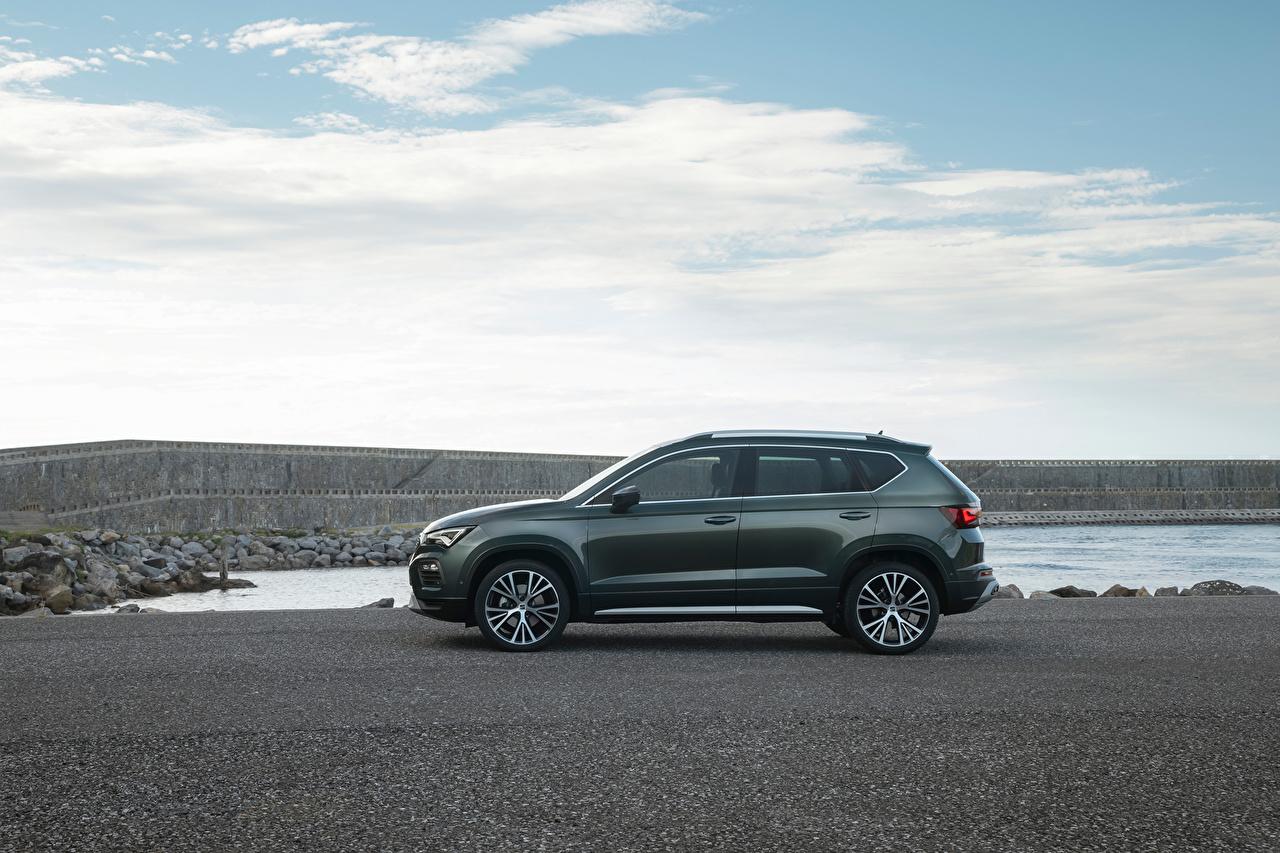 Fotos Seat Softroader Ateca Xperience, 2020 Grau auto Seitlich Metallisch Crossover graue graues Autos automobil
