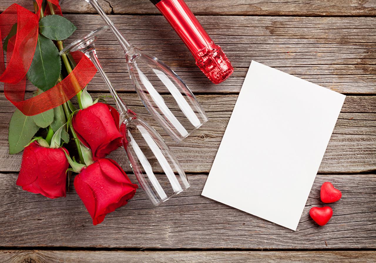Картинка День святого Валентина серце Лист бумаги Розы красная цветок бокал Шаблон поздравительной открытки Доски День всех влюблённых Сердце сердца сердечко роза Красный красные красных Цветы Бокалы
