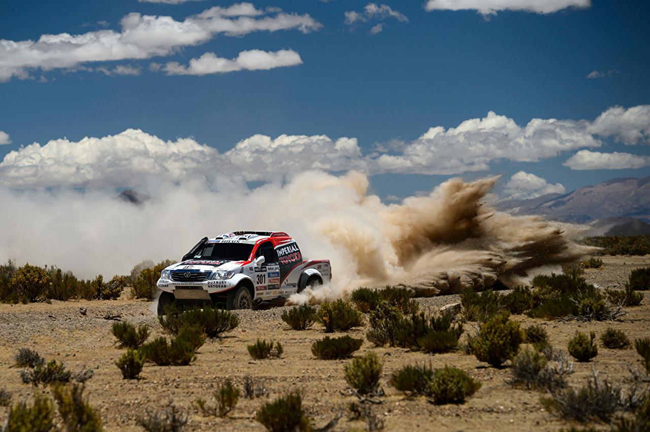 Fotos von Toyota Rallye Hilux Sport Autos Wolke