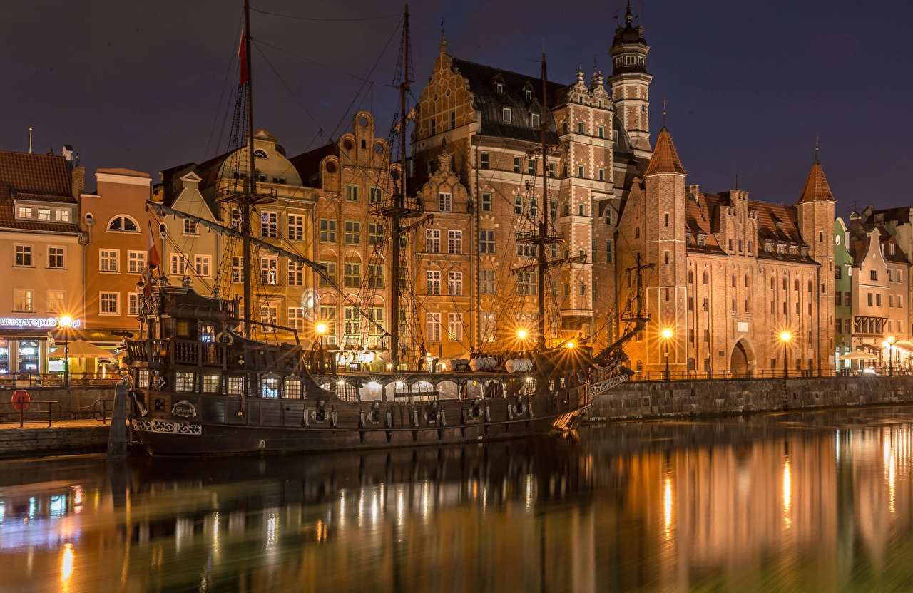 Images Gdańsk Poland Canal ship Night Sailing Cities Building Ships night time Houses