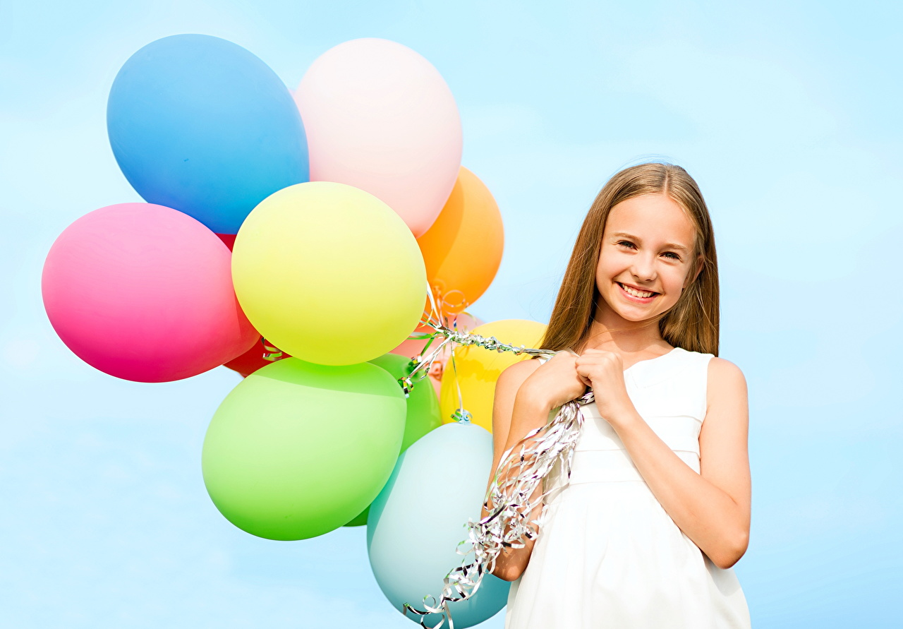 Picture Brown haired balloons female Toy balloon Girls young woman