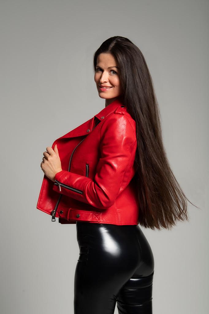 Desktop Hintergrundbilder Gesäß Latex Brünette Lächeln Antonija Pose Jacke junge frau Die Hose  für Handy posiert Mädchens junge Frauen