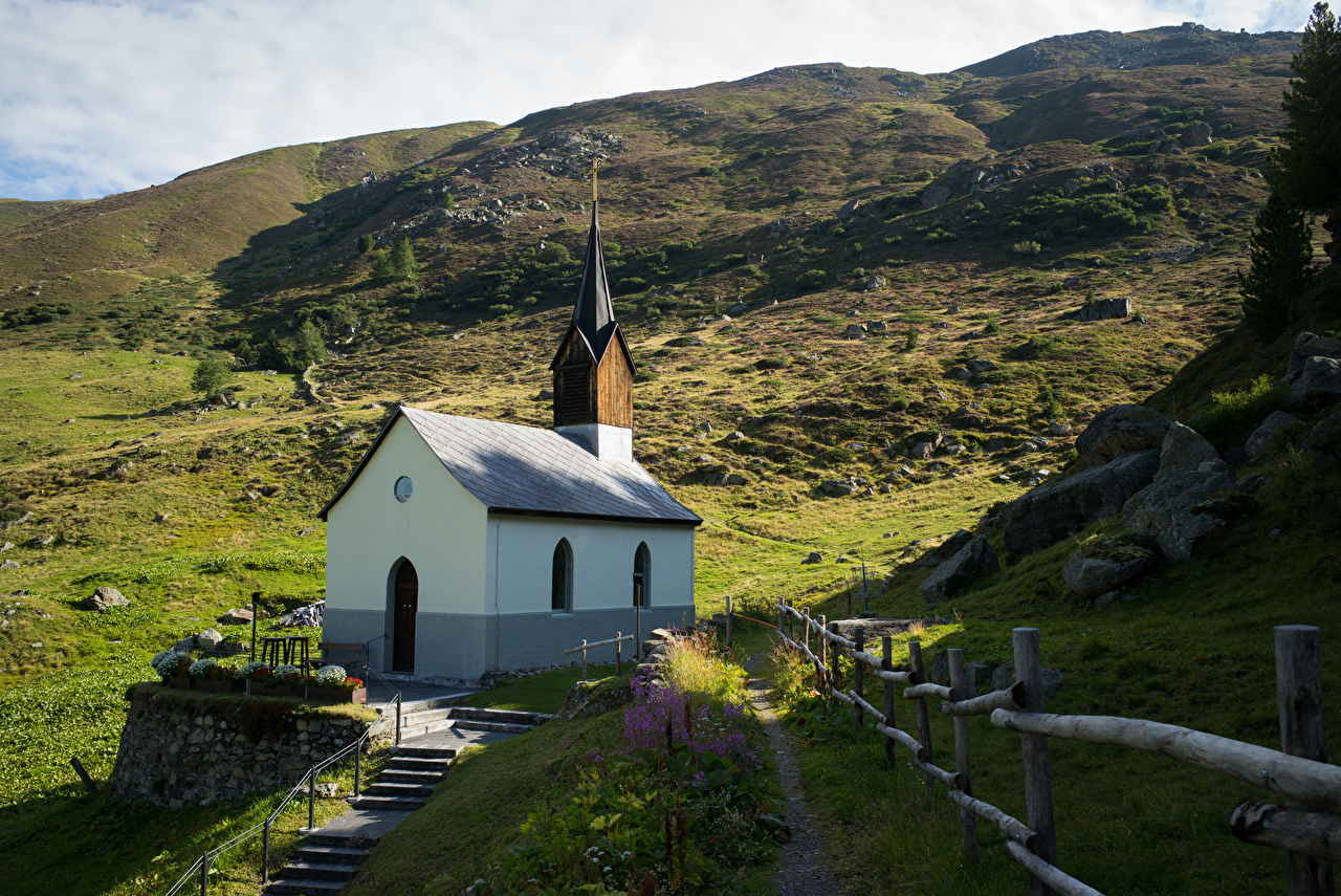 Fotos von Kirche Alpen Schweiz Arosa Natur Gebirge Kirchengebäude Berg