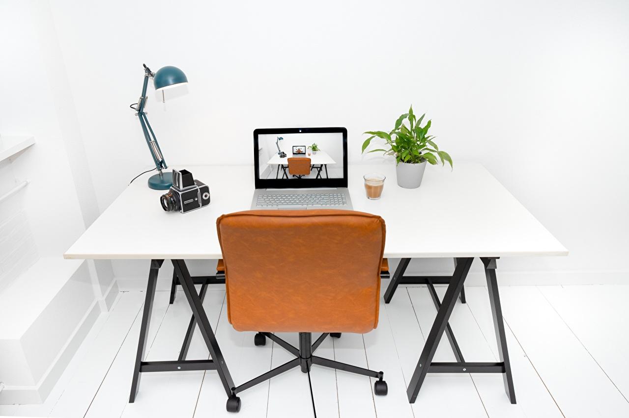,,桌子,椅,灯,筆記型電腦,高球杯中,,