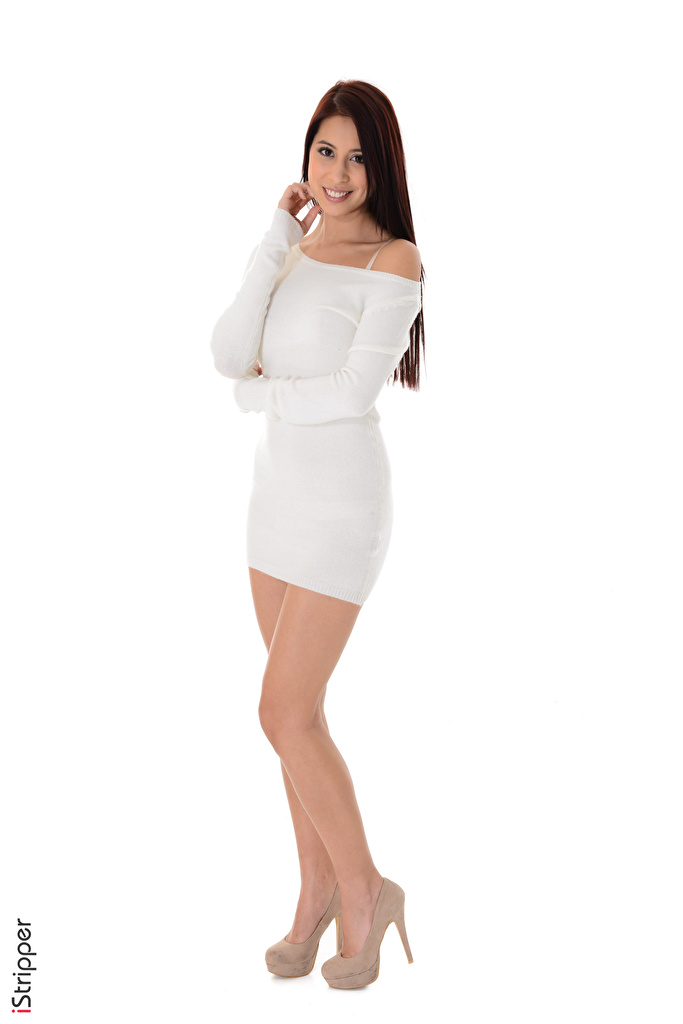 Bilder von Braune Haare Lächeln iStripper Paula Shy Mädchens Bein Weißer hintergrund Kleid High Heels  für Handy Braunhaarige junge frau junge Frauen Stöckelschuh