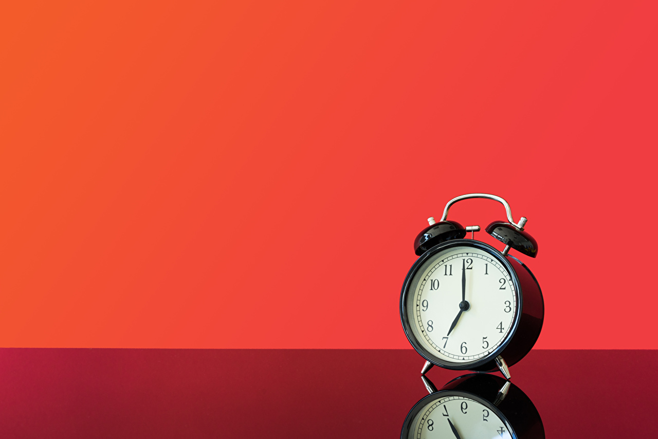 Photo Clock Reflection Alarm clock Red background reflected