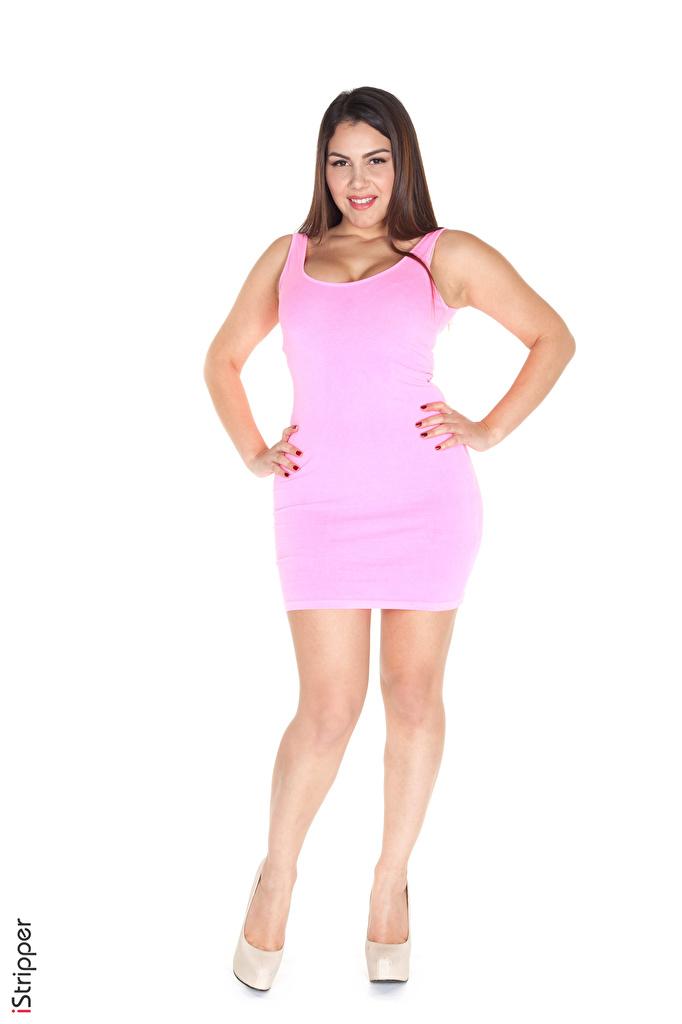 Foto Brünette Lächeln iStripper Valentina Nappi posiert Mädchens Bein Hand Weißer hintergrund Kleid  für Handy Pose junge frau junge Frauen