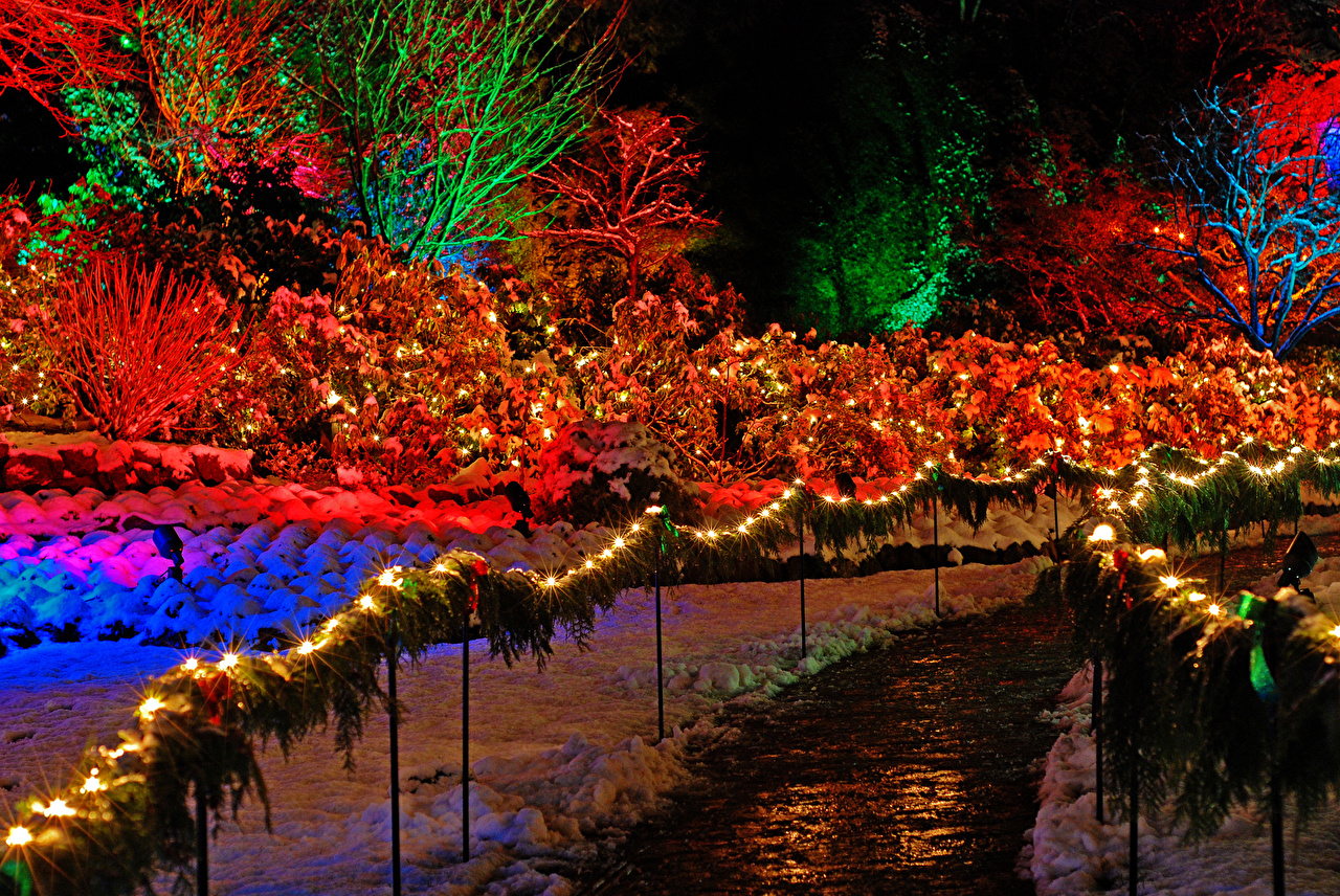 Vancouver Christmas Snow.Pictures Vancouver Canada New Year Butchart Gardens