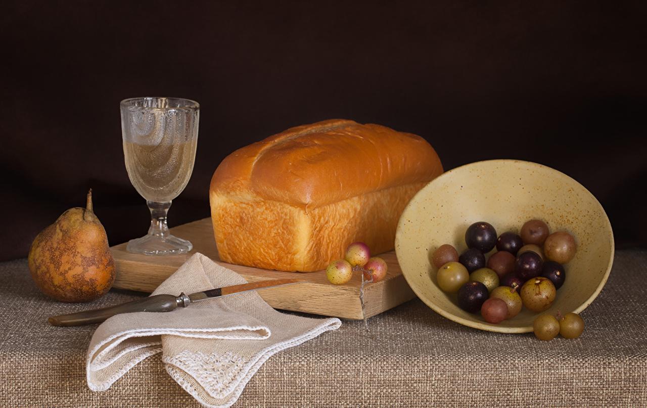 Fotos Wein Brot Birnen Weintraube Dubbeglas Lebensmittel Stillleben Trauben das Essen