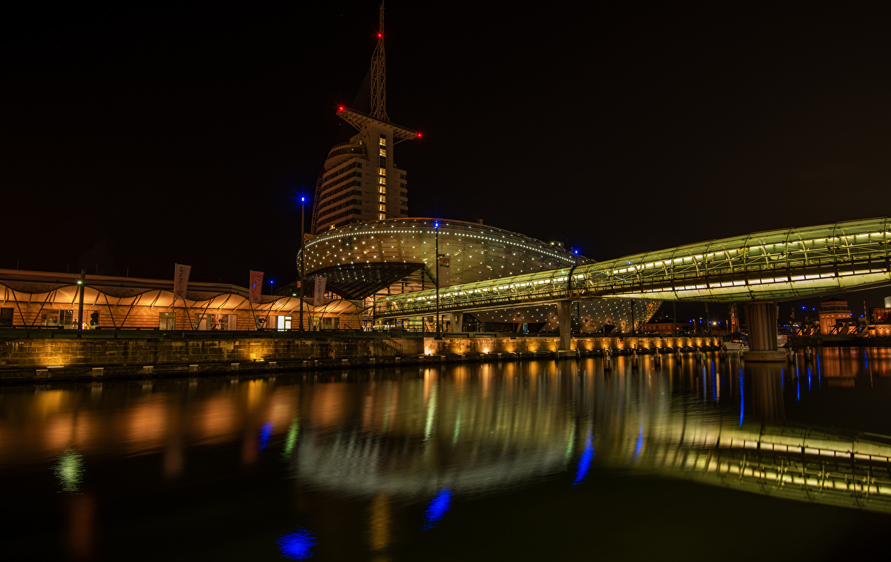 Desktop Hintergrundbilder Deutschland Bremerhaven Brücken Fluss Nacht Städte Gebäude Brücke Flusse Haus