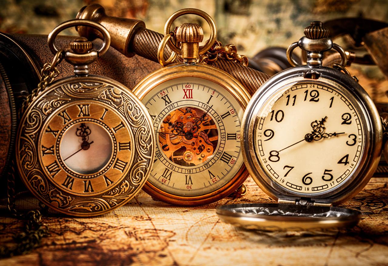 Bilder von Taschenuhr Uhr Drei 3 Zifferblatt Großansicht hautnah Nahaufnahme