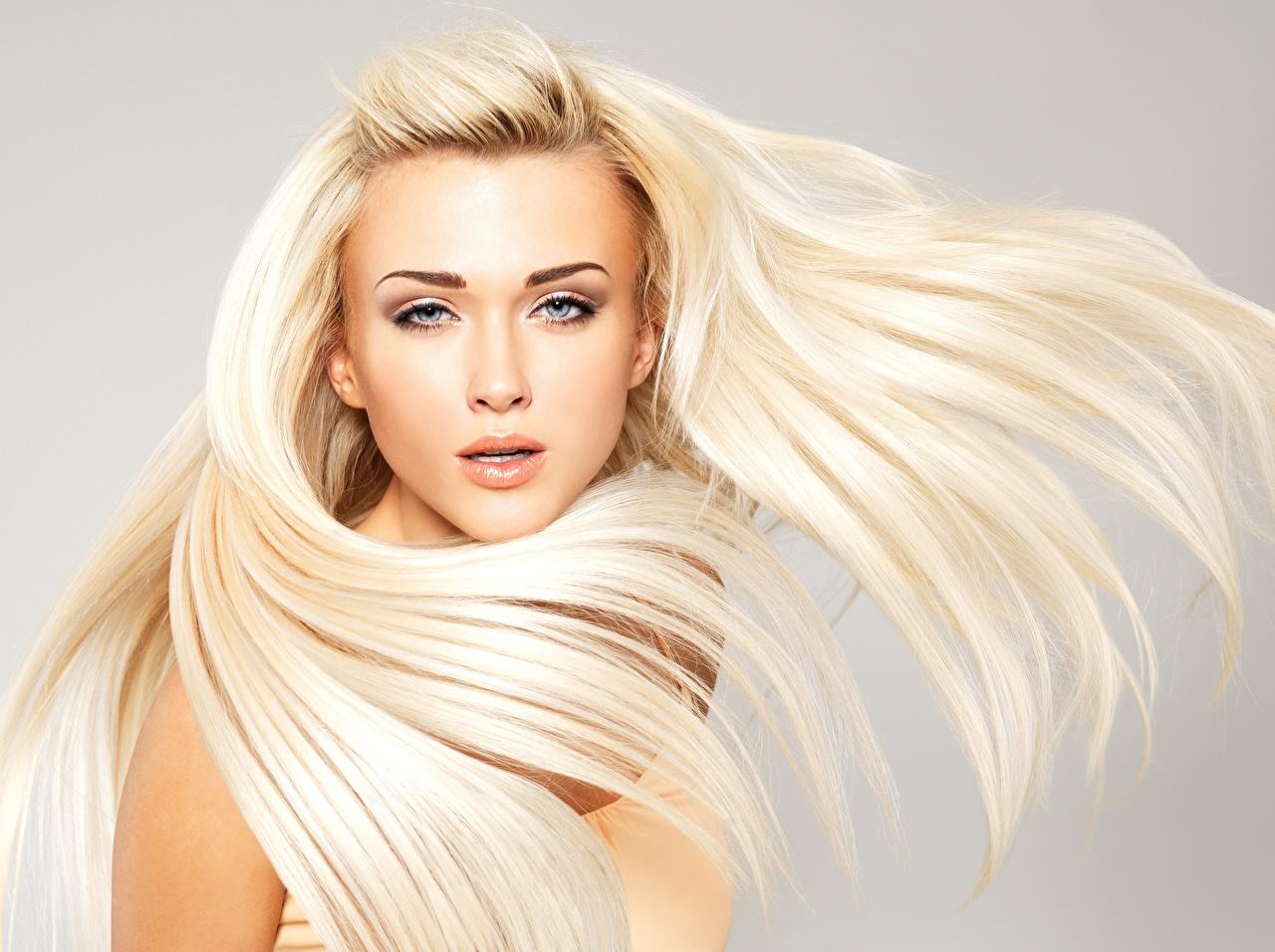 Fotos Blond Mädchen Model schönes Frisuren Haar junge frau Starren Blondine Schön hübsch schöne hübsche schöner hübscher Frisur Mädchens junge Frauen Blick