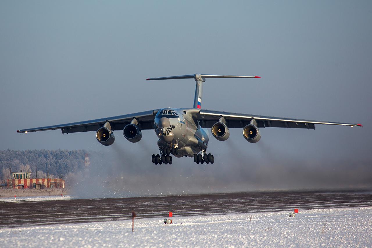 Achtergronden bureaublad Vrachtvliegtuig Opstijgen Russische Il-76MD-90A Winter Sneeuw Luchtvaart opstijgt vertrekt vertrekken