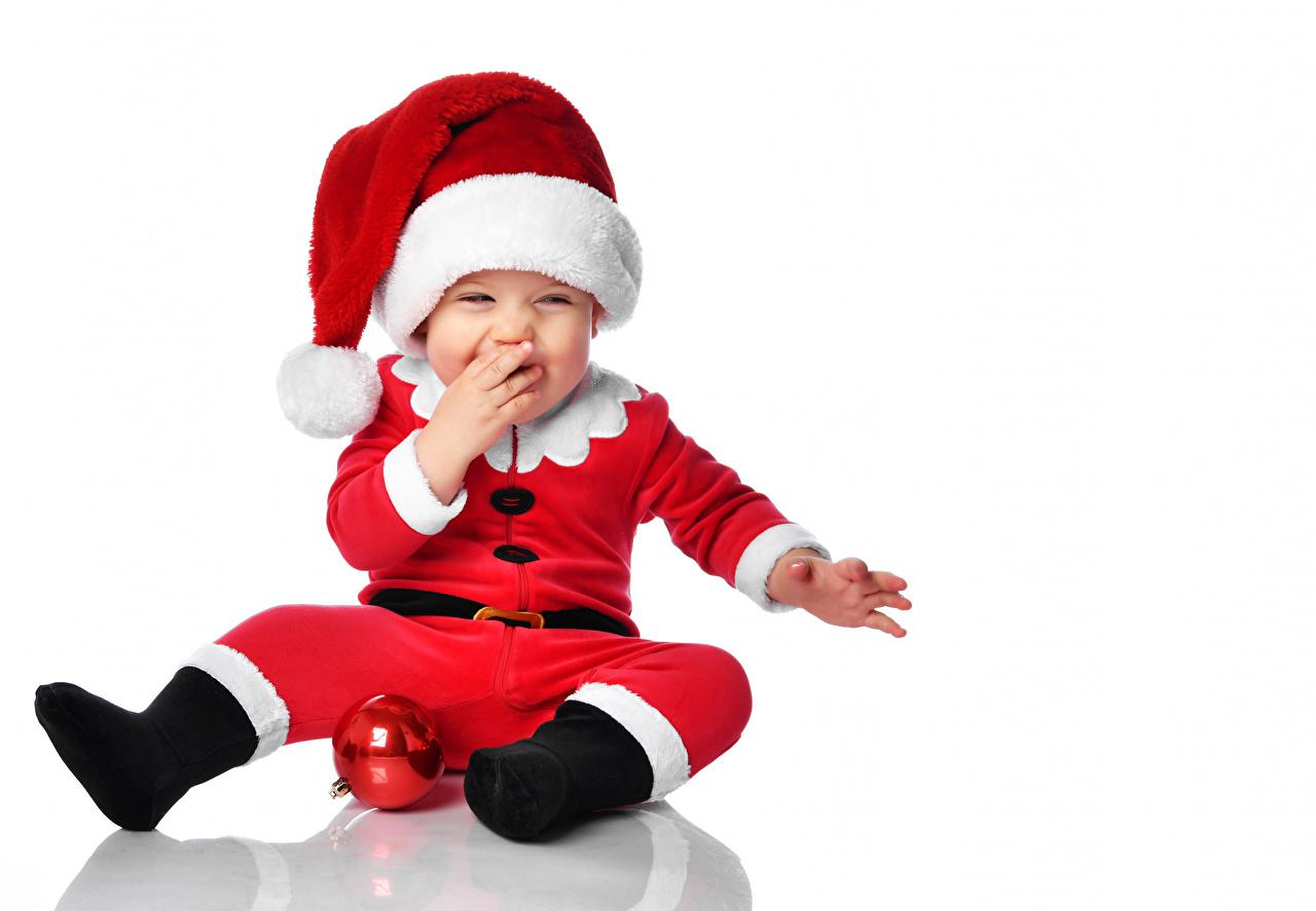 Bilder von Säugling Neujahr glückliche kind Mütze Kugeln Uniform Vorlage Grußkarte Weißer hintergrund Baby Freude Glücklich fröhlicher fröhliches glücklicher glückliches Kinder