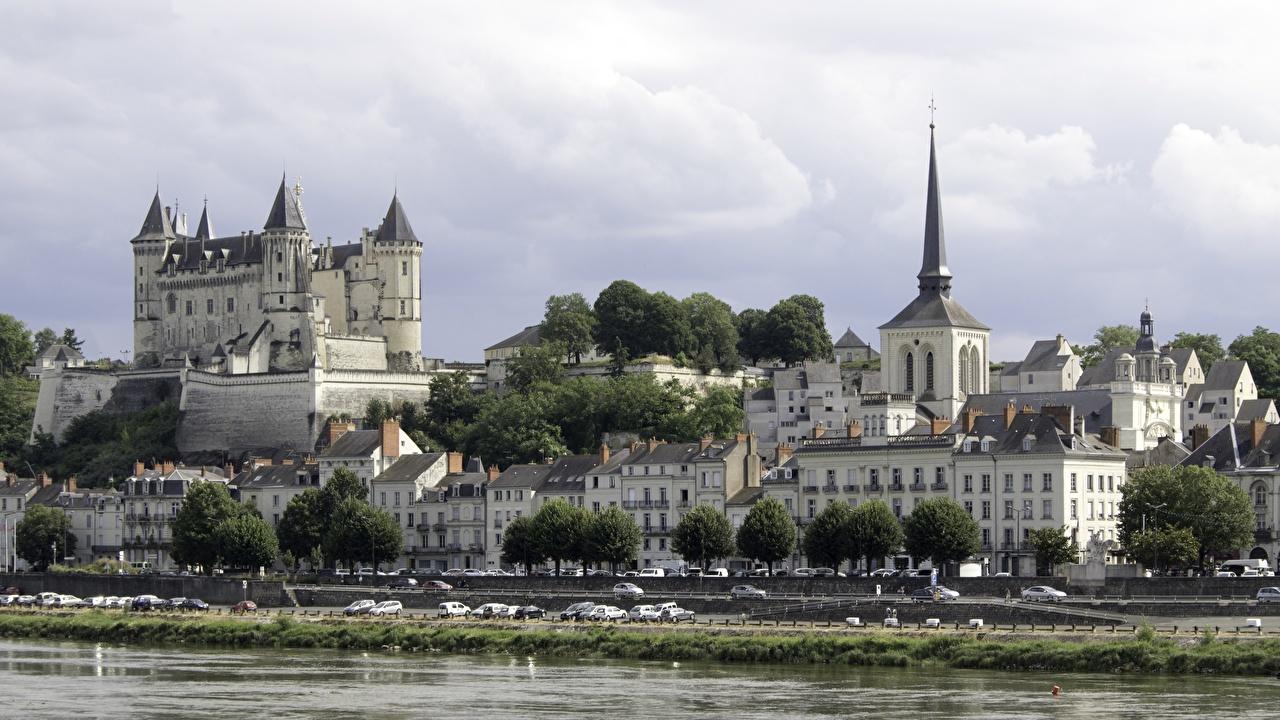 Foto La chiesa Francia Fortezza Castle Of Saumur Castello Fiumi Città edificio fiume La casa