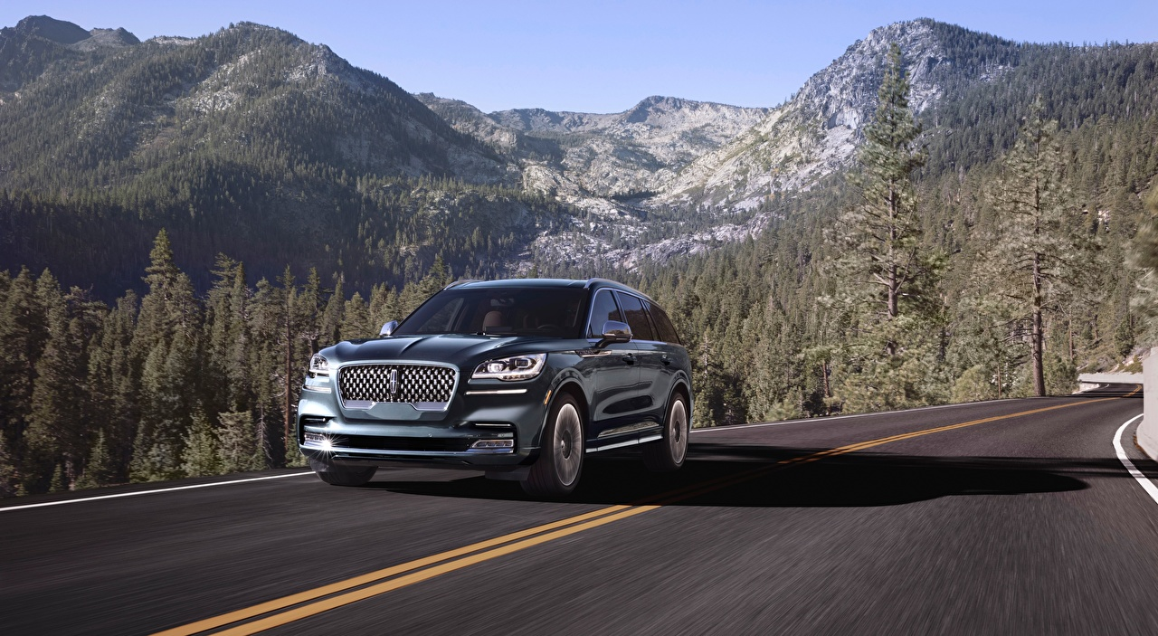 Pictures Lincoln SUV Aviator, Black Label, 2019 mountain Roads forest driving Metallic automobile Sport utility vehicle Mountains Motion riding moving Forests at speed auto Cars
