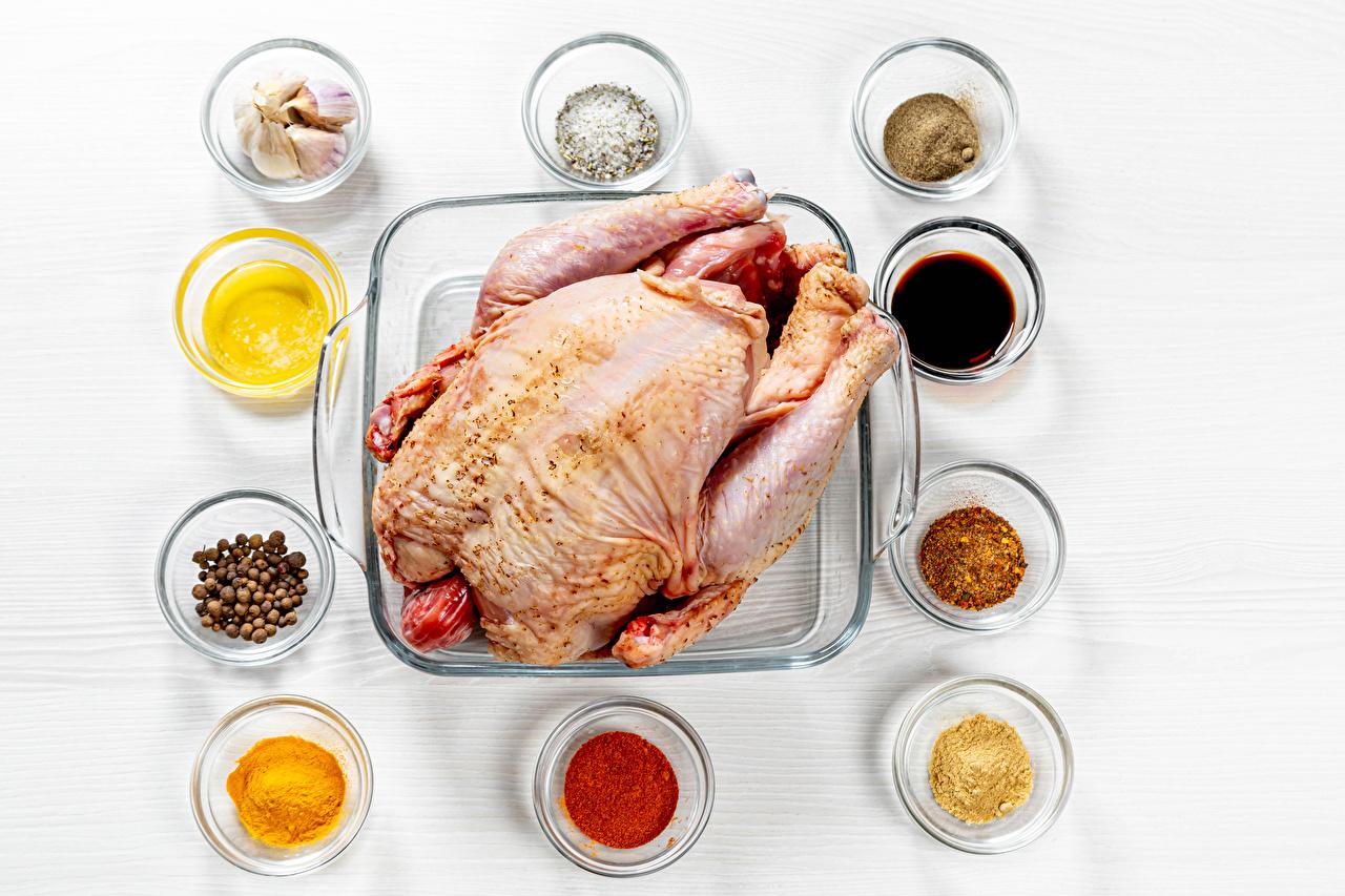 Bilder Hühnerfleisch Schwarzer Pfeffer Knoblauch Gewürze Lebensmittel das Essen