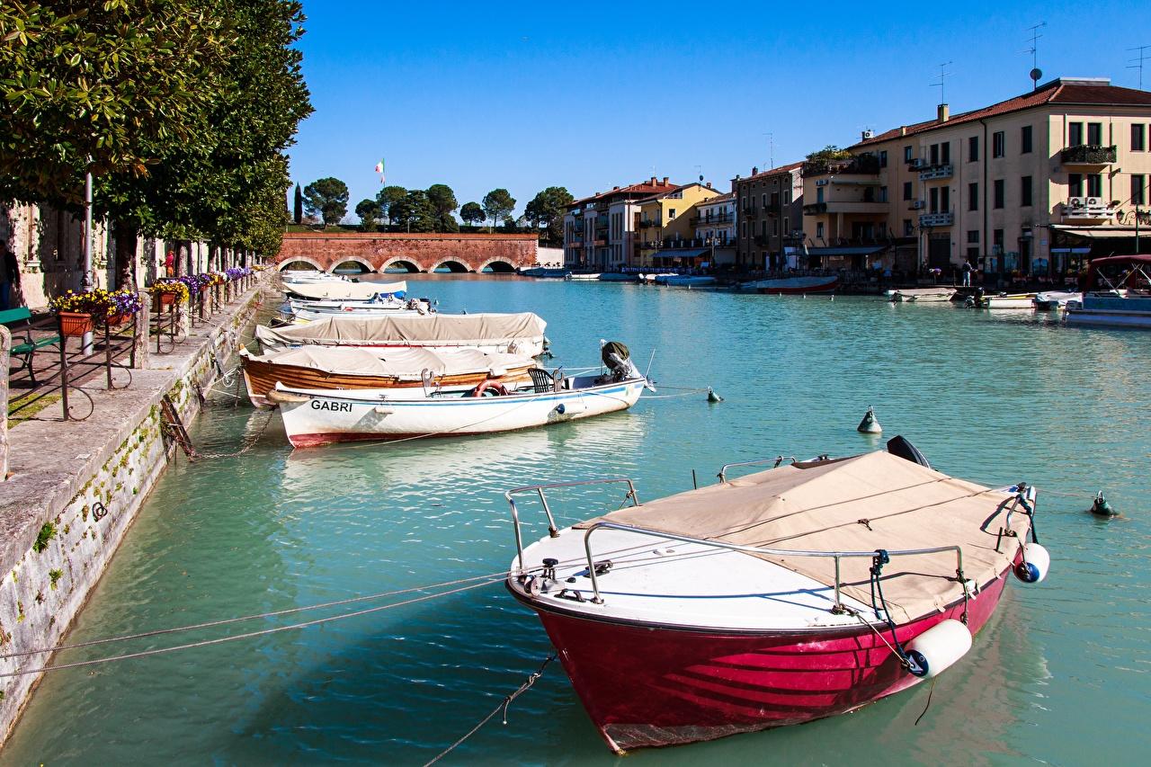 Italia Amarradero Ríos Casa Barcos Peschiera Del Garda, Mincio river río, Edificio, Atraque Ciudades