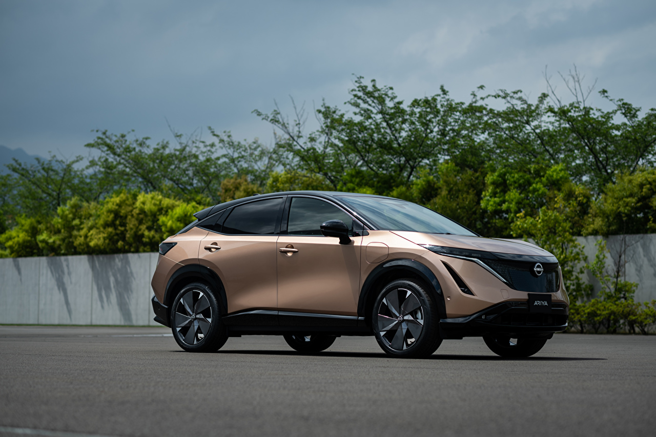 Photos Nissan CUV Ariya e-4orce JP-spec, 2020 Side Metallic automobile Crossover Cars auto