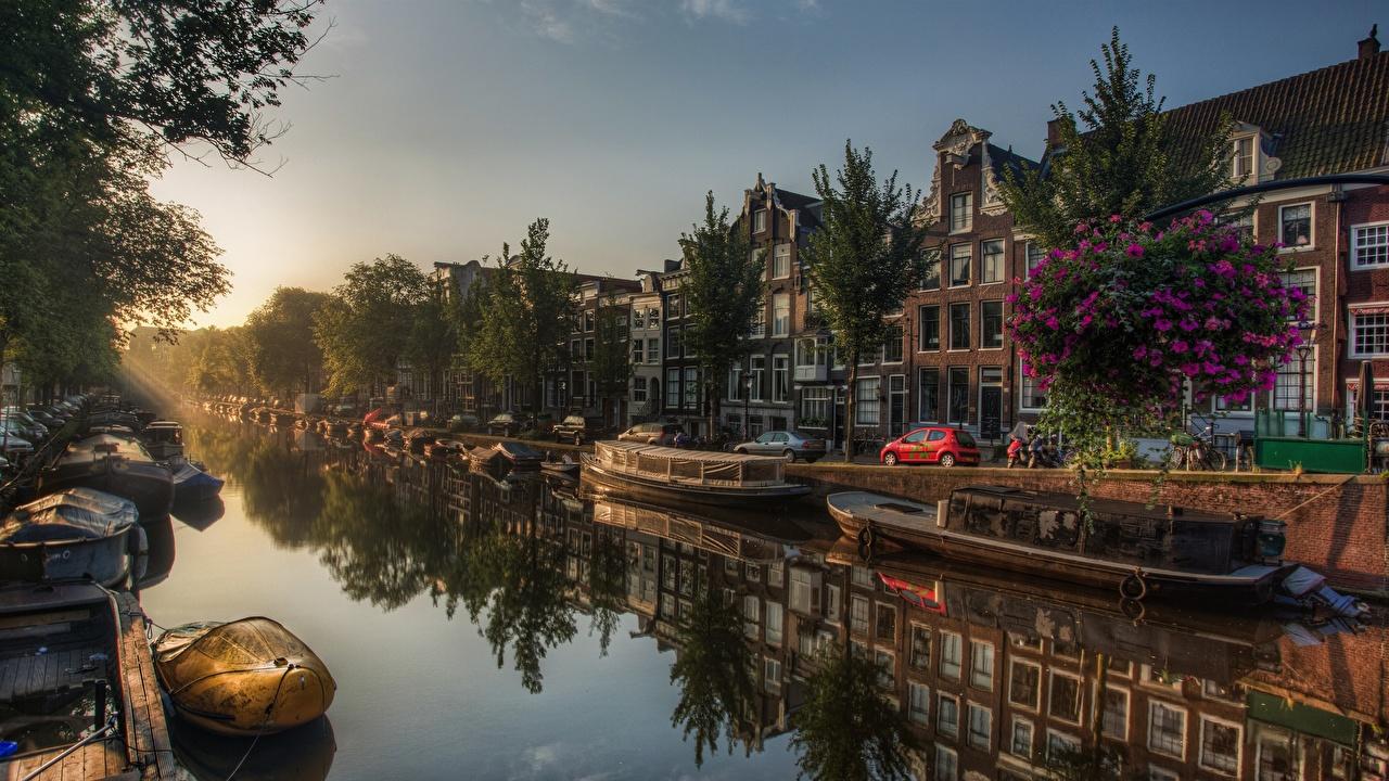Amaneceres y atardeceres Ámsterdam Países Bajos Barcos Canal árboles Оcaso Ciudades