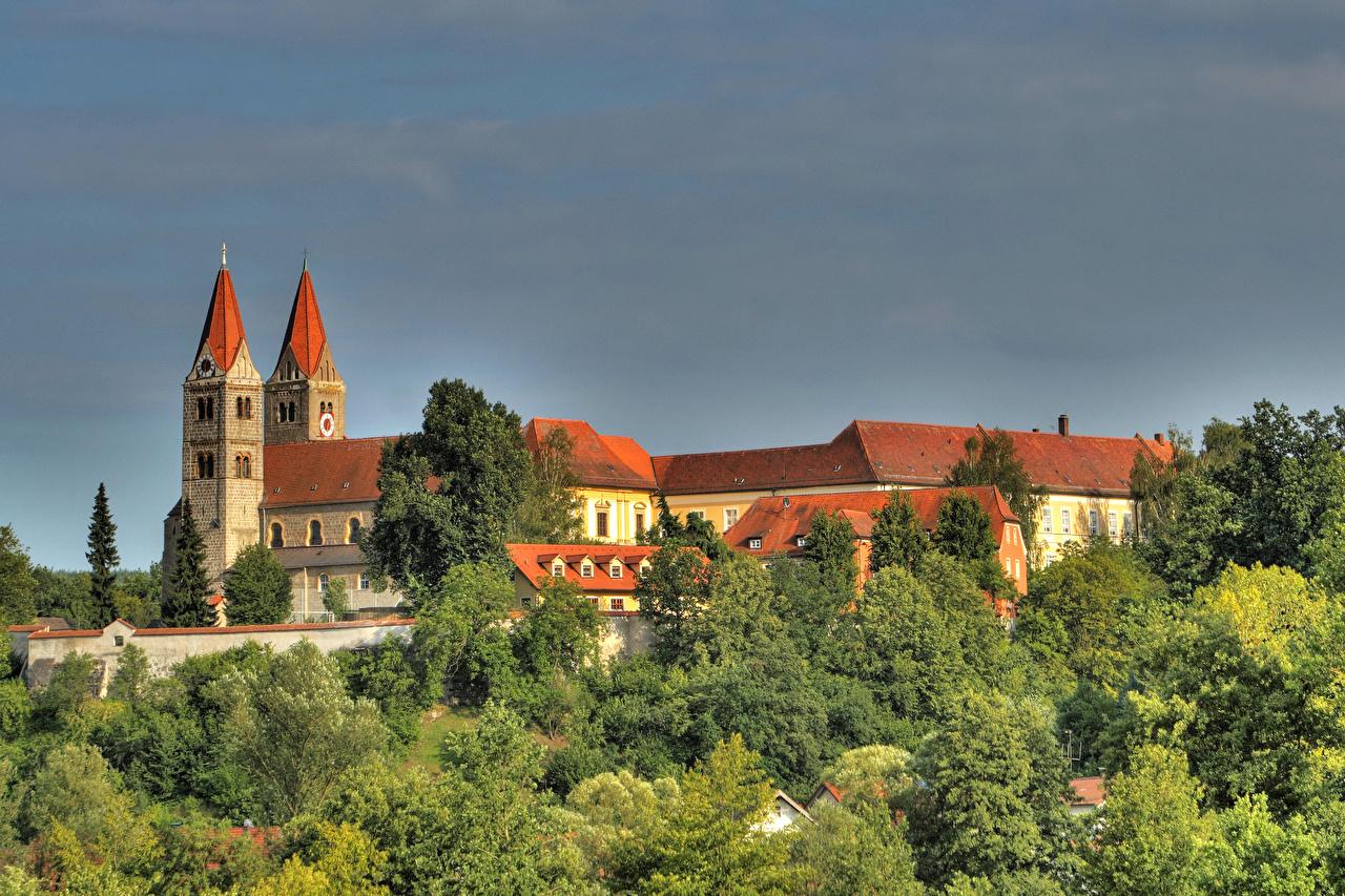 Alemanha Casa Reichenbach am Regen Baviera árvores Edifício Cidades