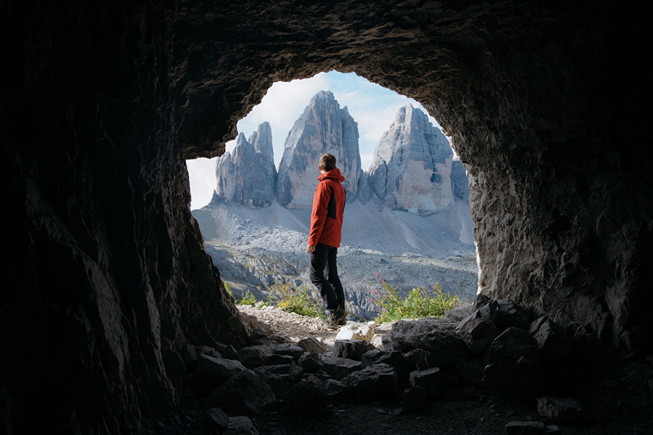 Pictures Tourist Men Tunnel Cave Nature mountain traveler Man caves Mountains
