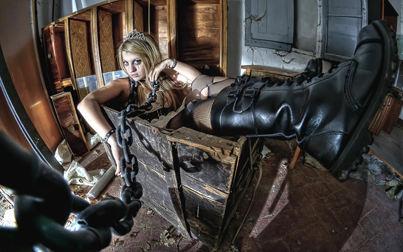 Bakgrundsbilder Stövlar box, Goths Unga kvinnor kätting ung kvinna Kedja