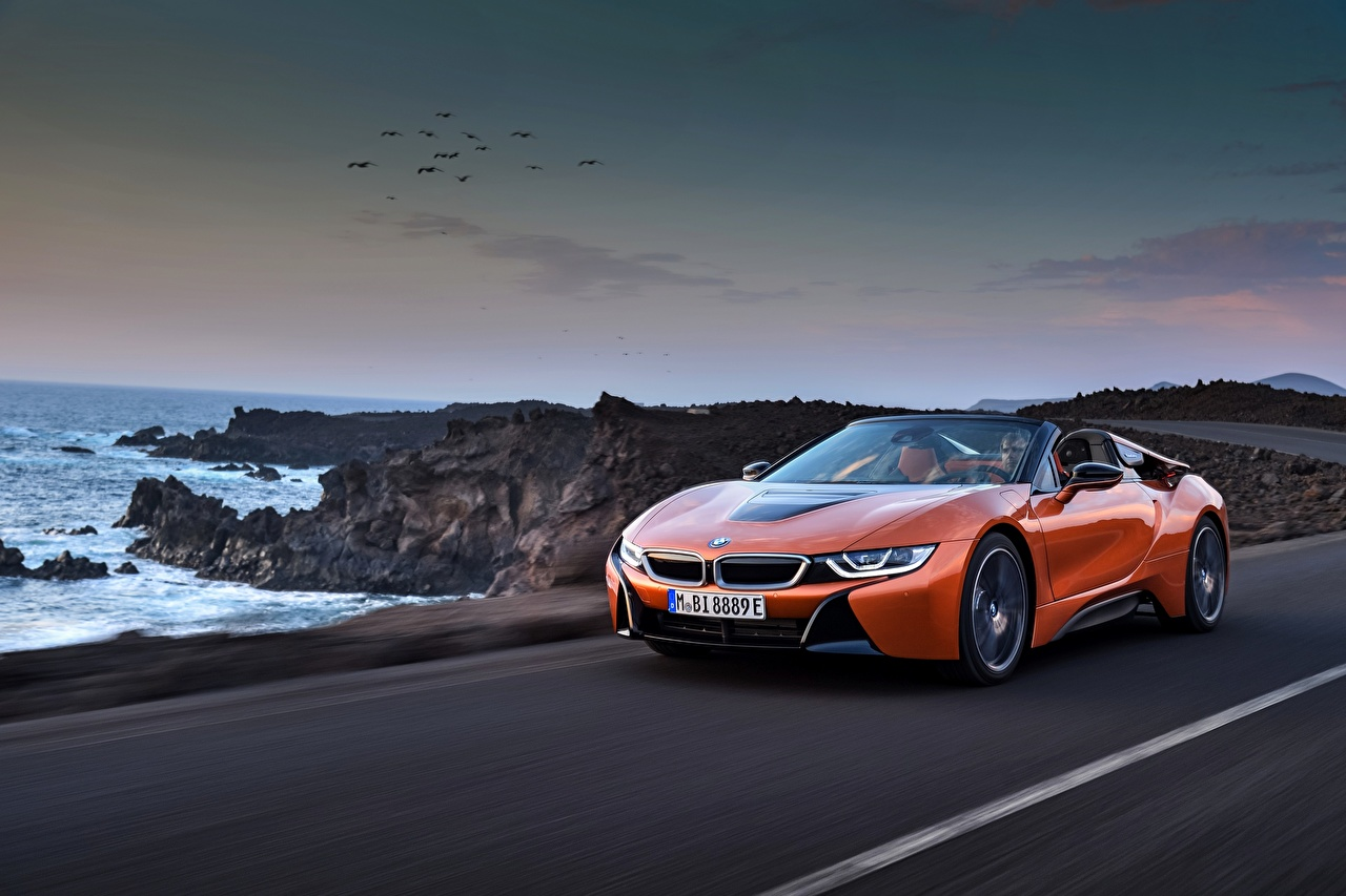 Picture BMW 2018 i8 Roadster Orange Motion Cars moving riding driving at speed auto automobile