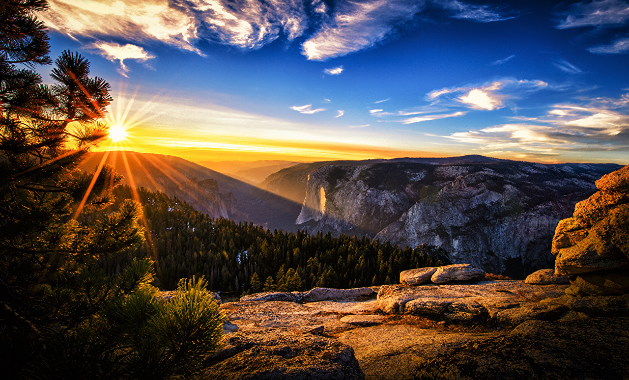 Desktop Wallpapers Rays Of Light Sun Nature Sunrises And Sunsets