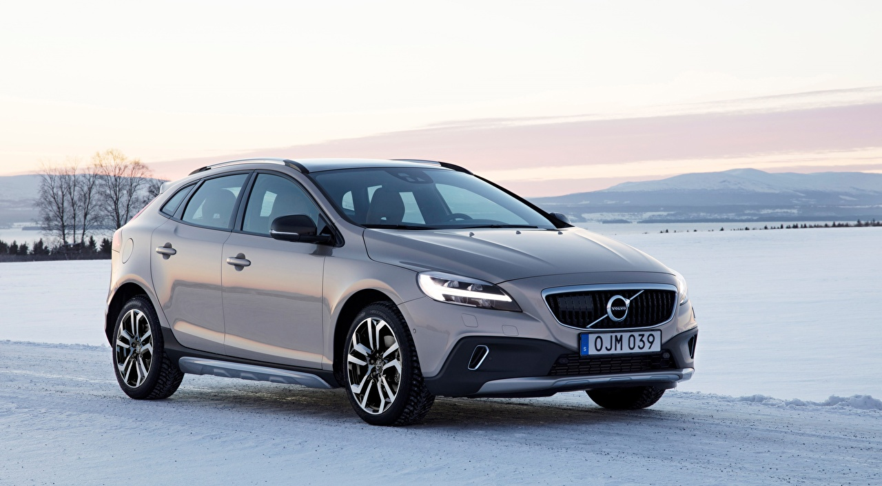 Image Volvo V40 T5, AWD Cross Country, 2017, hatchback Silver color Snow auto Metallic Cars automobile
