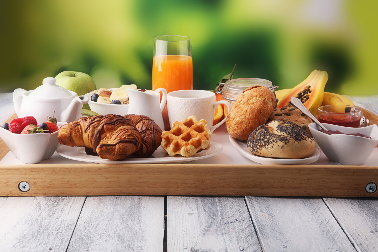 Desktop Wallpapers Food Juice Breakfast Croissant Buns Highball glass Cup Tray boards Wood planks