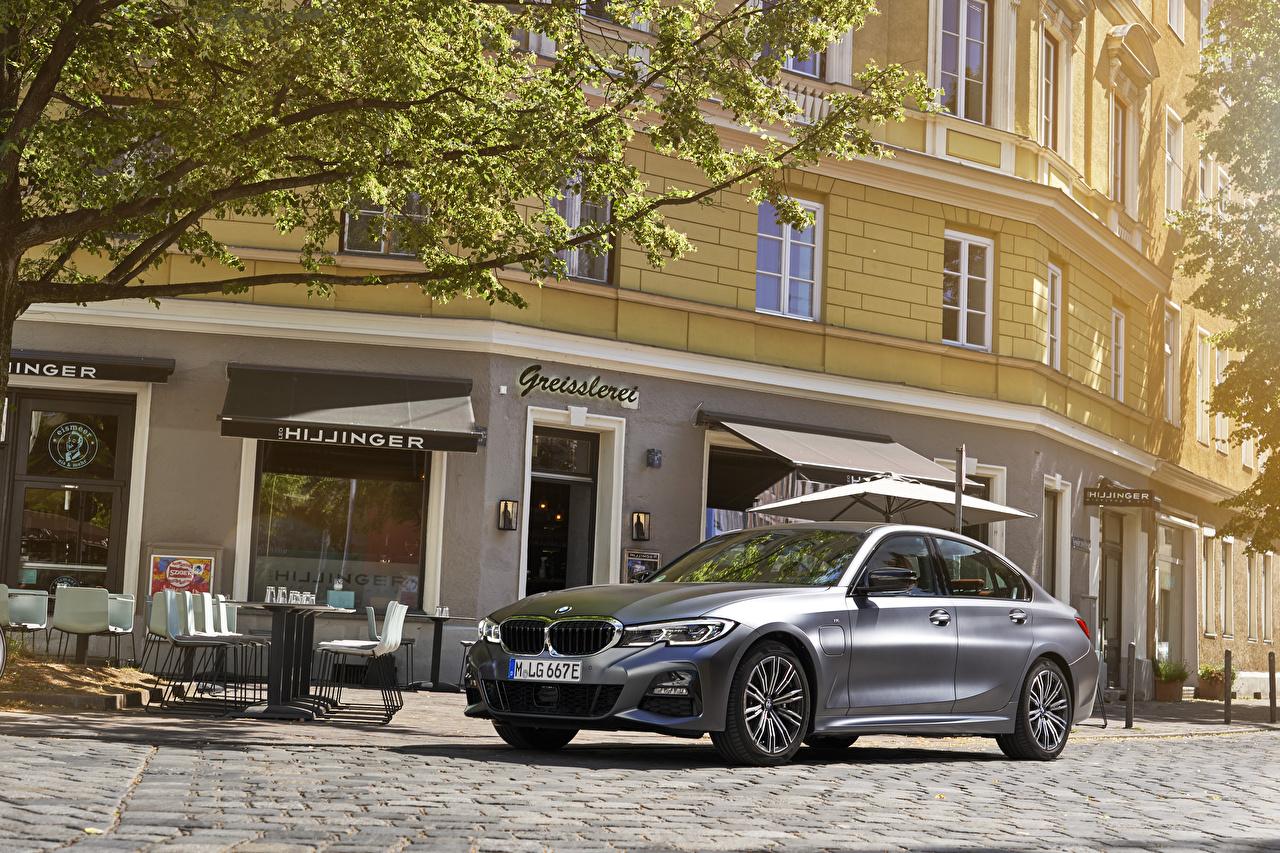 Photo BMW 2019 330e M Sport Worldwide gray automobile Grey Cars auto