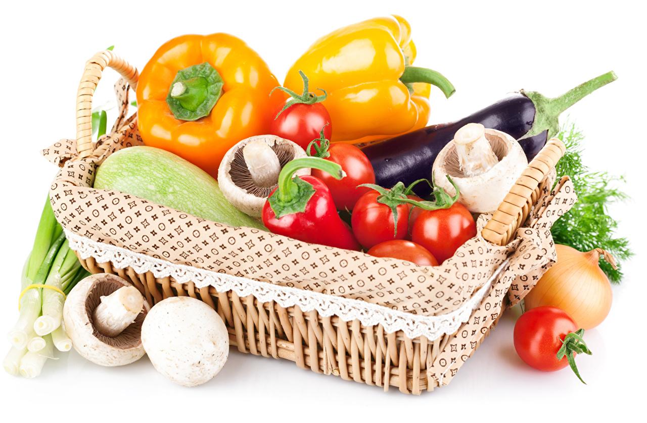 Photo Eggplant Tomatoes Mushrooms Wicker basket Food Pepper Vegetables White background