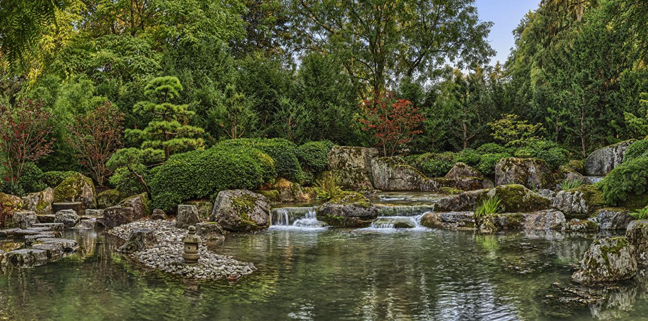 Alemanha Jardims Lagoa Queda de água Pedras Augsburg Japanese garden Arbusto árvores pedra, cachoeira, cascata Naturaleza
