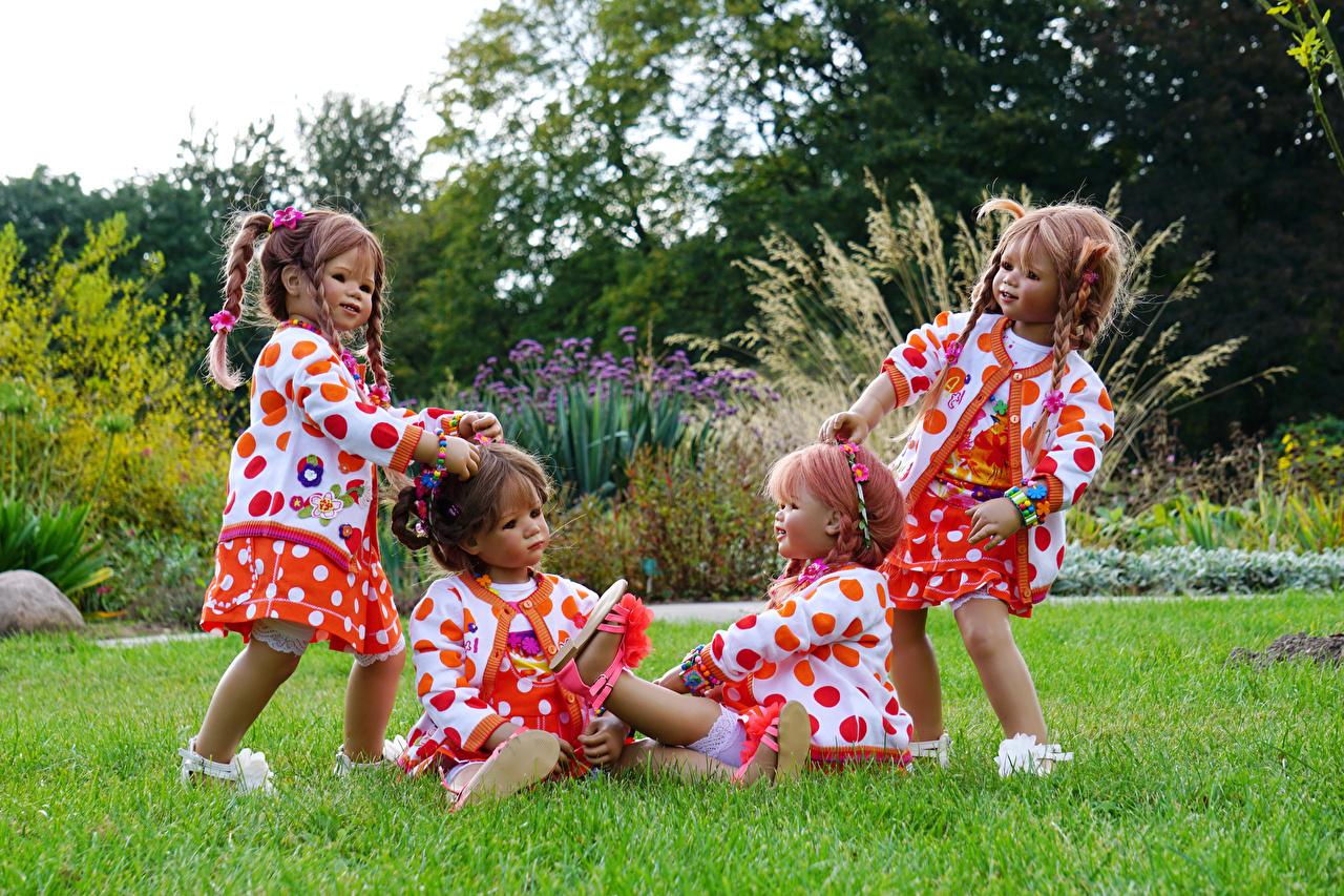 Bilder Kleine Mädchen Deutschland Puppe Natur Park Gras Parks