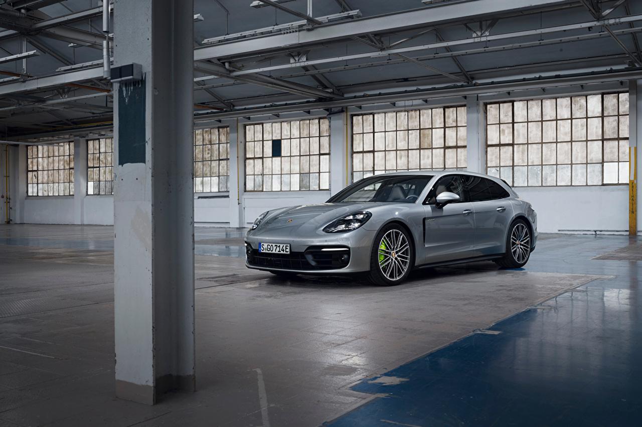 Photo Porsche Panamera 4 E-Hybrid Sport Turismo, 2020 Silver color Metallic automobile Cars auto