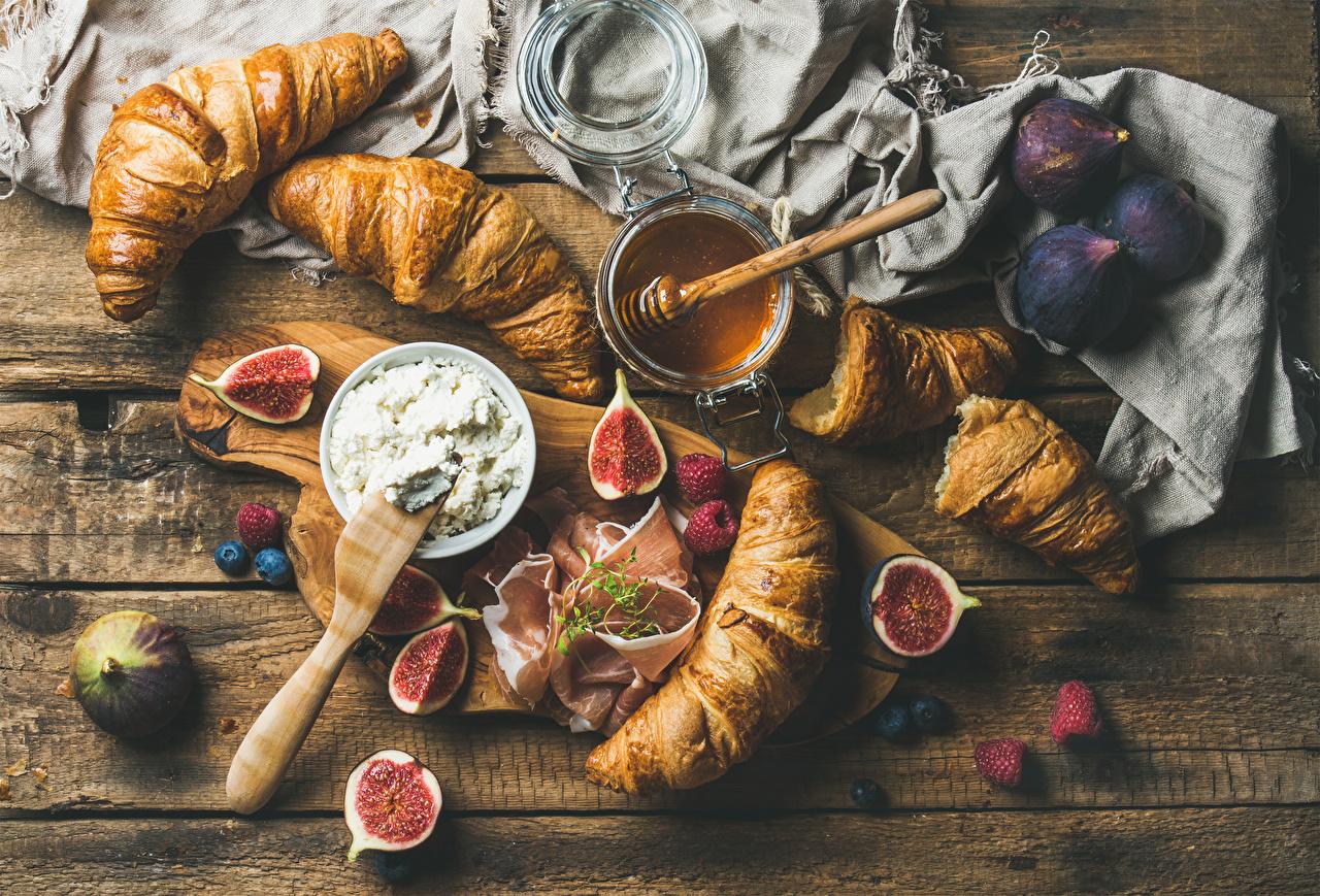 Foto Honig Croissant Echte Feige Schinken Himbeeren Lebensmittel Schneidebrett Bretter