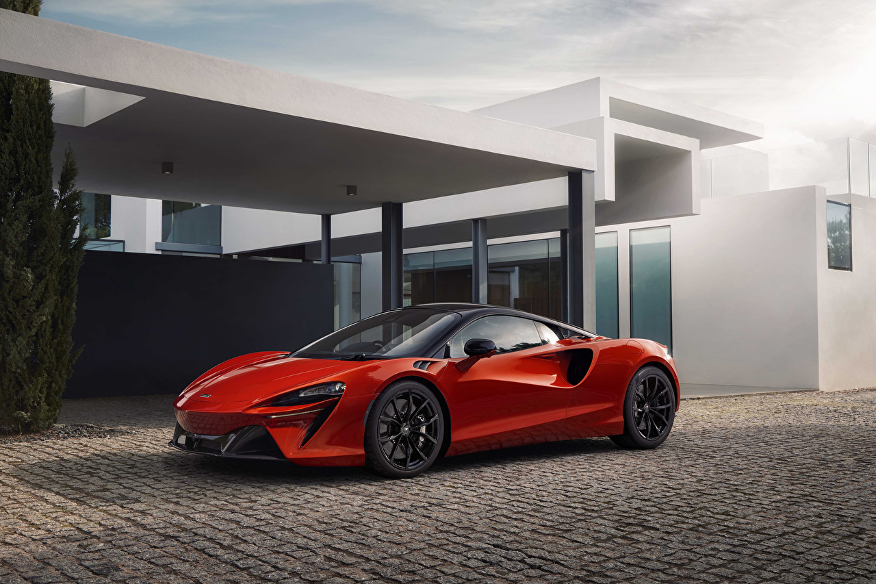 Bilder McLaren 2021 Artura Rot auto Metallisch Autos automobil