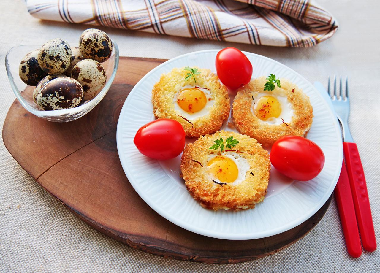 Bilder von Ei Spiegelei Tomate Brot Teller Drei 3 Lebensmittel