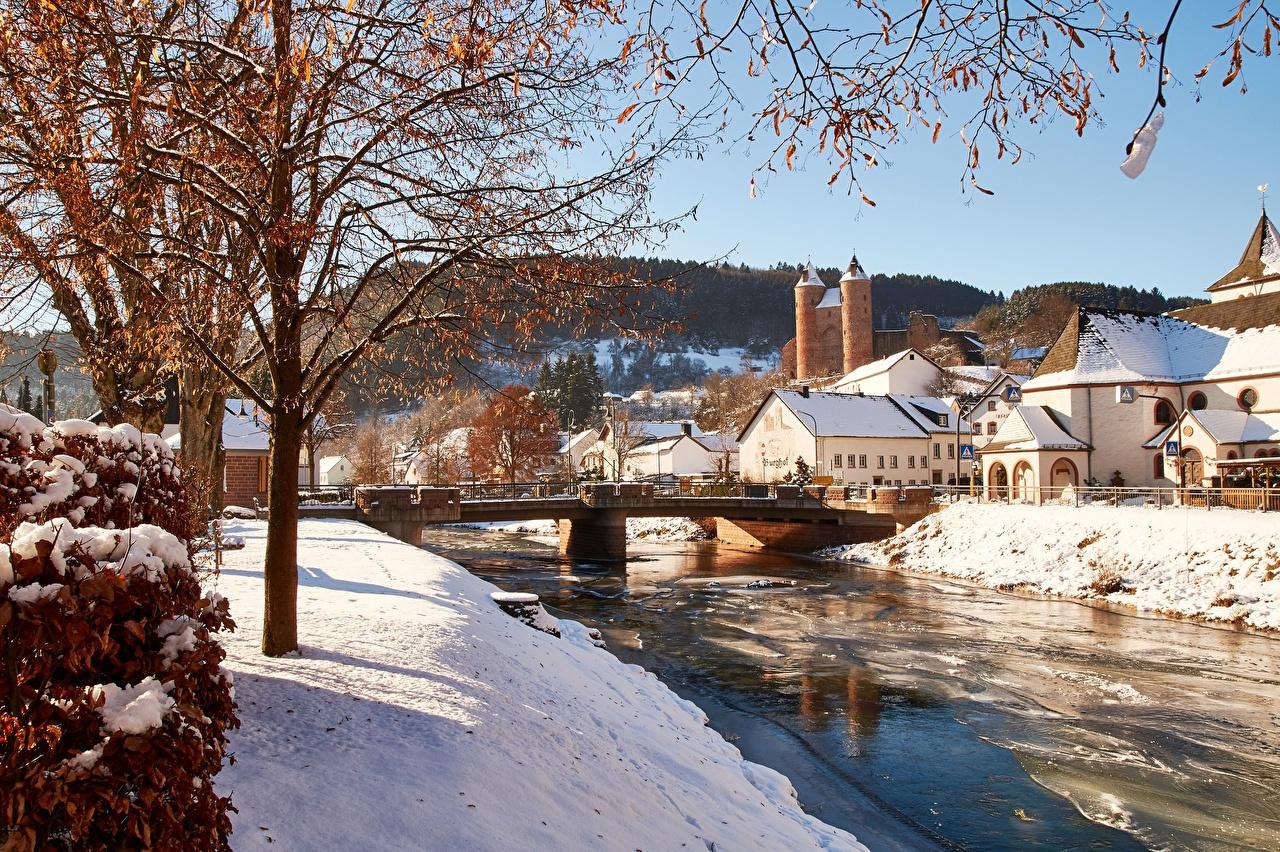 Bilder Deutschland commune of Murlenbach, State Of Rhineland-Palatinate Winter Brücken Schnee Ast Flusse Bäume Städte Gebäude Haus