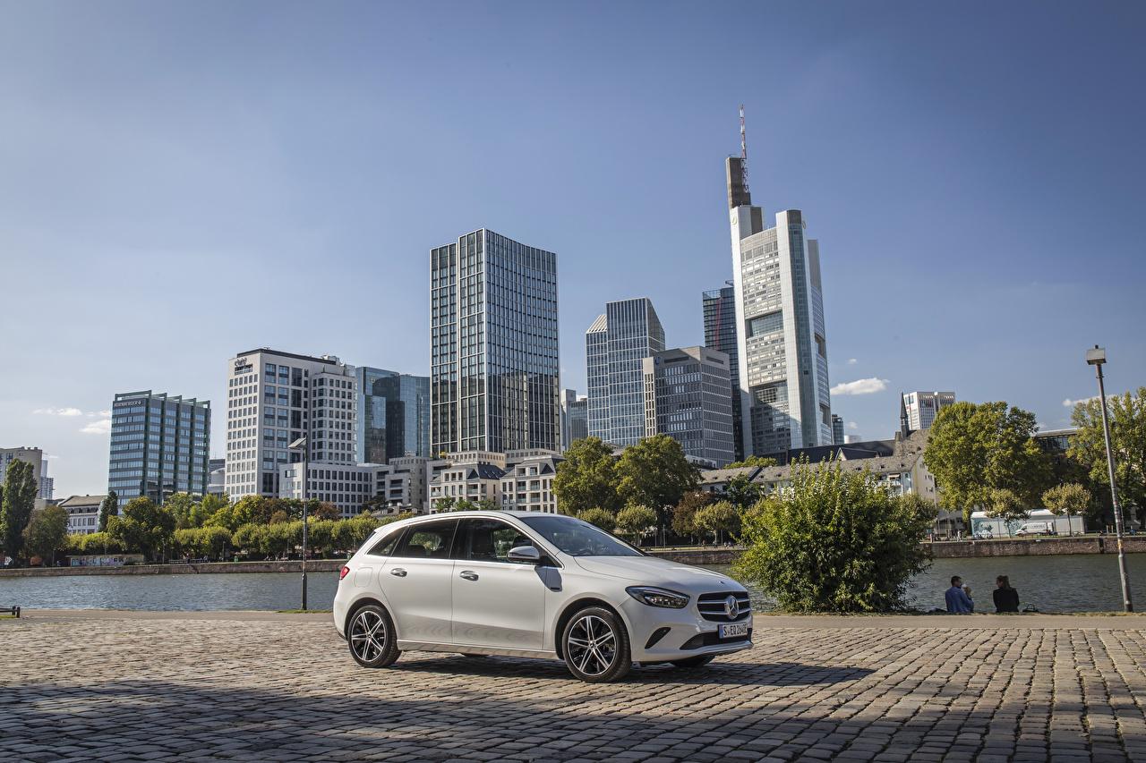 Foto Mercedes-Benz 2019 B 250 e Worldwide Hybrid Autos Weiß Autos auto automobil
