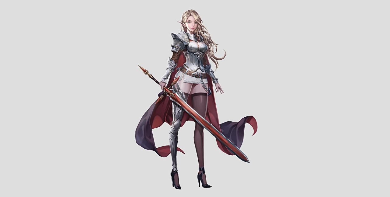 Desktop Hintergrundbilder Schwert Elfe Blondine Nylonstrumpf Krieger jangwon park schöne Fantasy Mädchens Bein Grauer Hintergrund Elfen Blond Mädchen Schön hübsch schönes schöner hübsche hübscher junge frau junge Frauen