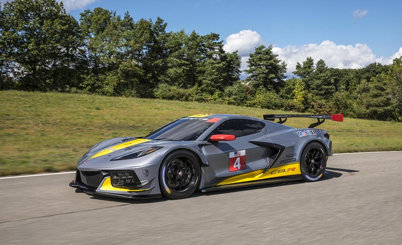 Bilder von Chevrolet Fahrzeugtuning C8 R Grau fährt auto Tuning graue graues fahren Bewegung fahrendes Geschwindigkeit Autos automobil