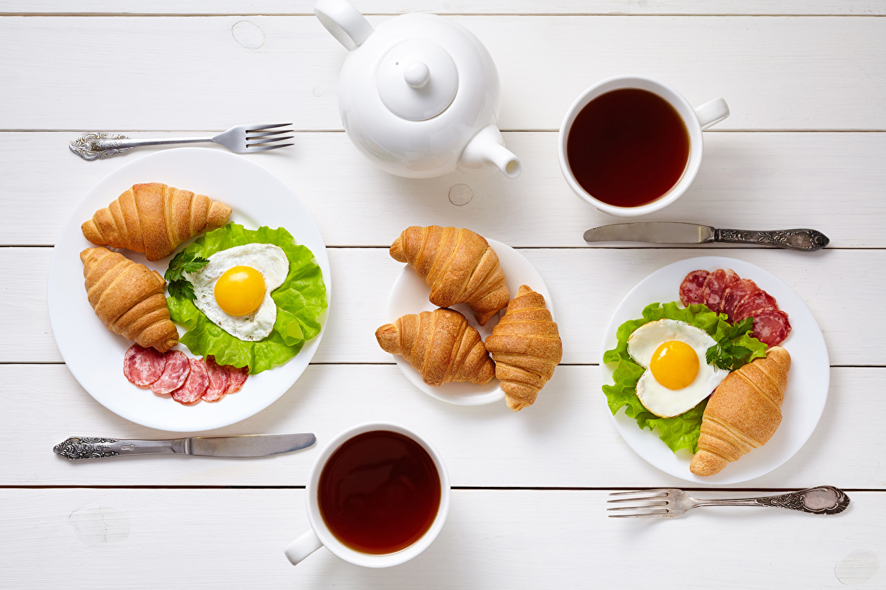 Picture Valentine's Day Heart Knife Fried egg 2 Tea Sausage Croissant Breakfast Cup Food Fork Two