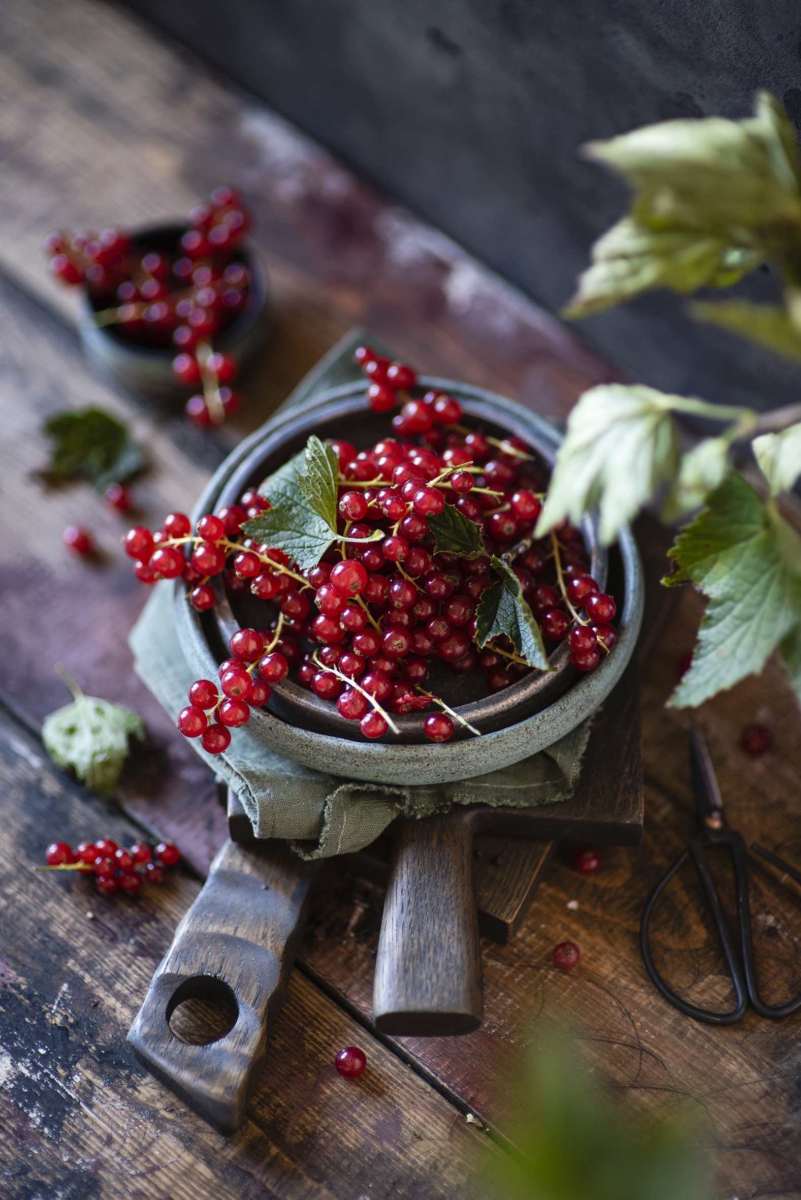 Images Red Currant Food boards  for Mobile phone Wood planks