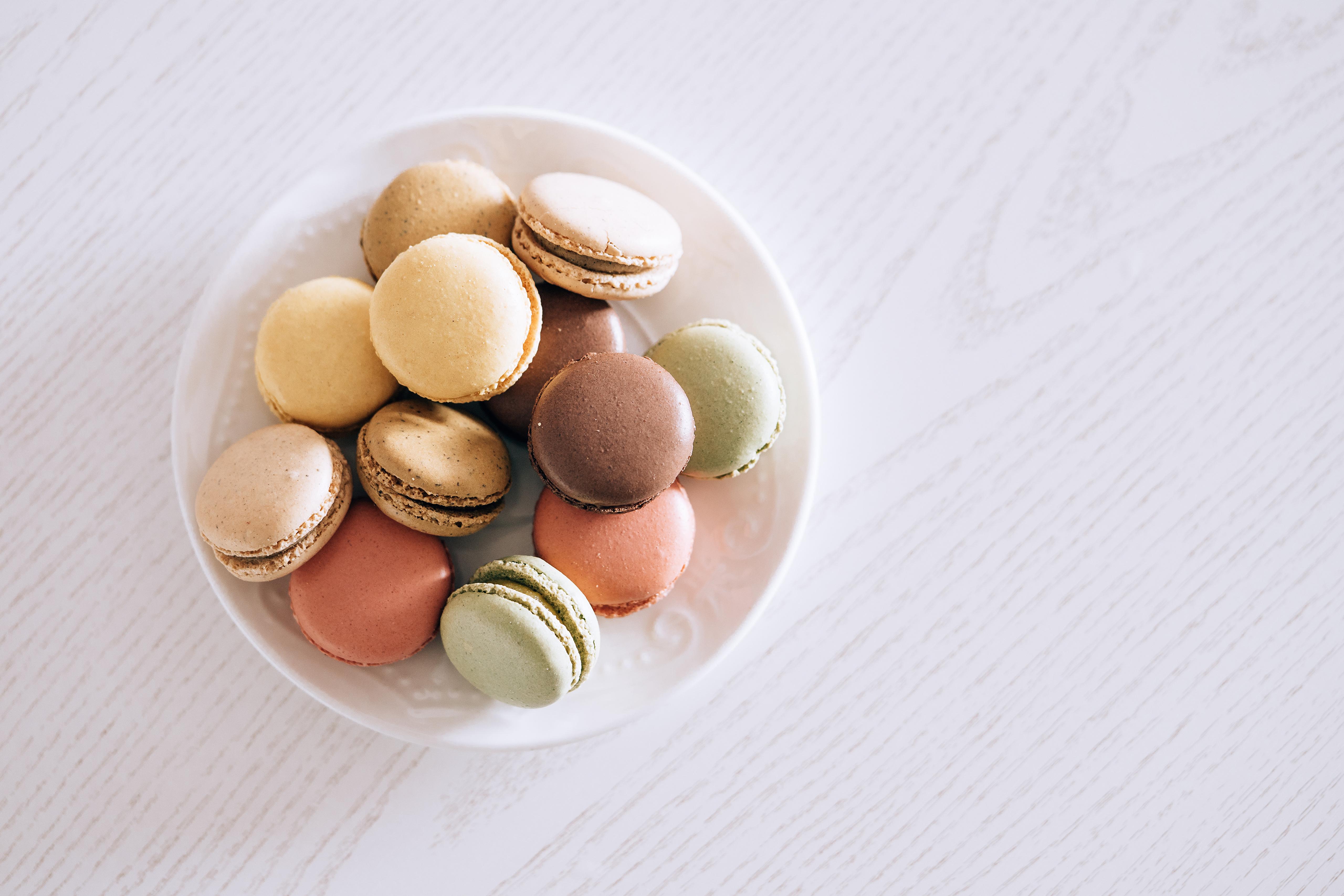 Bilder von Macaron Teller Lebensmittel 5120x3413 macarons das Essen