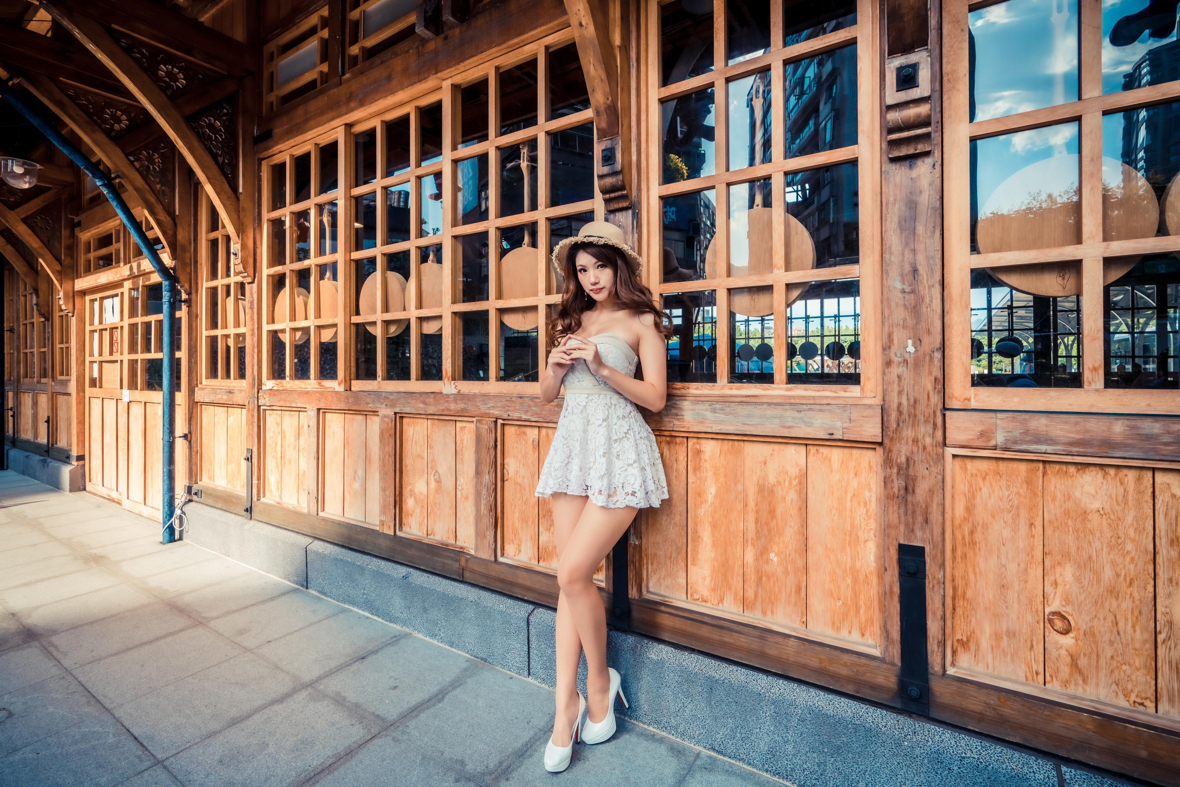 Asiático Pose Vestido Sombrero de Contacto visual mujer joven, mujeres jóvenes, asiática, posando Chicas