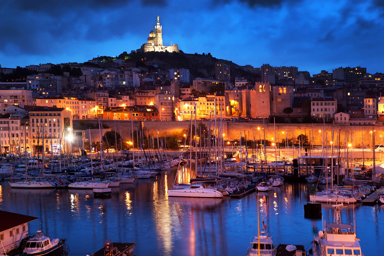 Fonds D Ecran 6000x4001 France Maison Quai Navire A Voile Marseille Nuit Reverbere Villes Telecharger Photo