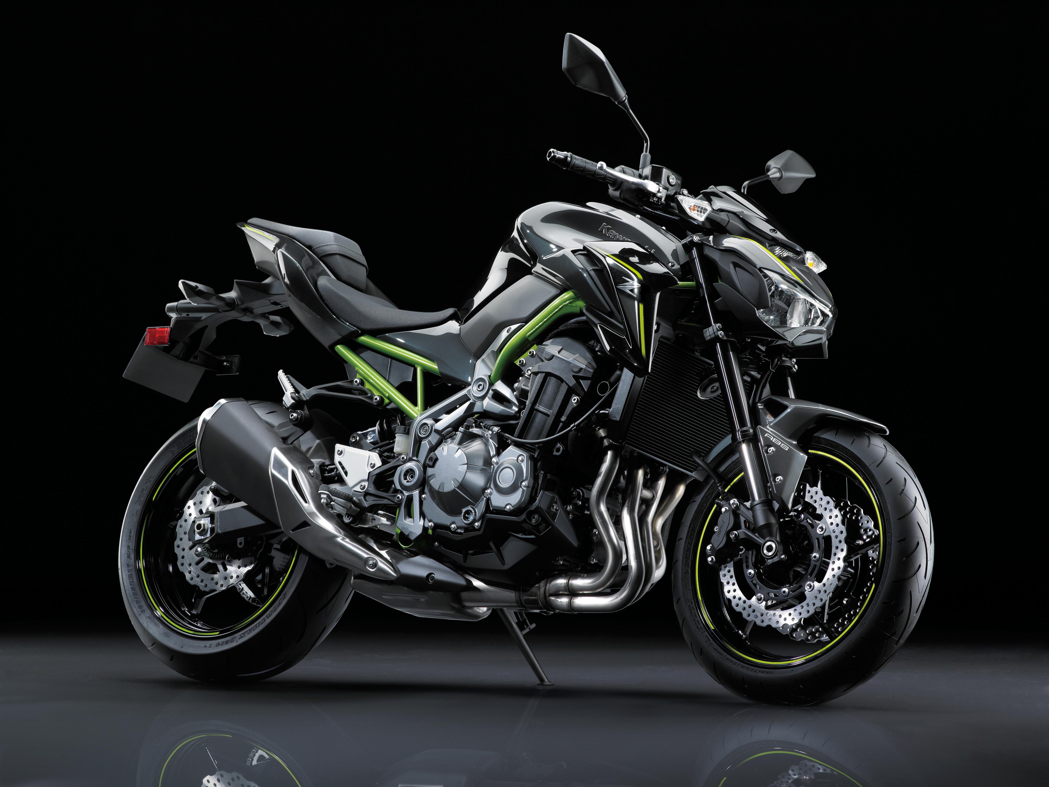 壁紙 4093x3072 川崎重工業 17 19 Z900 Worldwide 黒色背景 側面図 オートバイ ダウンロード 写真